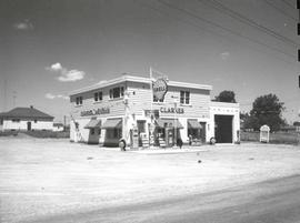 Clarke's Drive-in and Service Station on Bath Road at Portsmouth Avenue