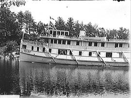 "[Steam Ship ""Rideau Queen""]"